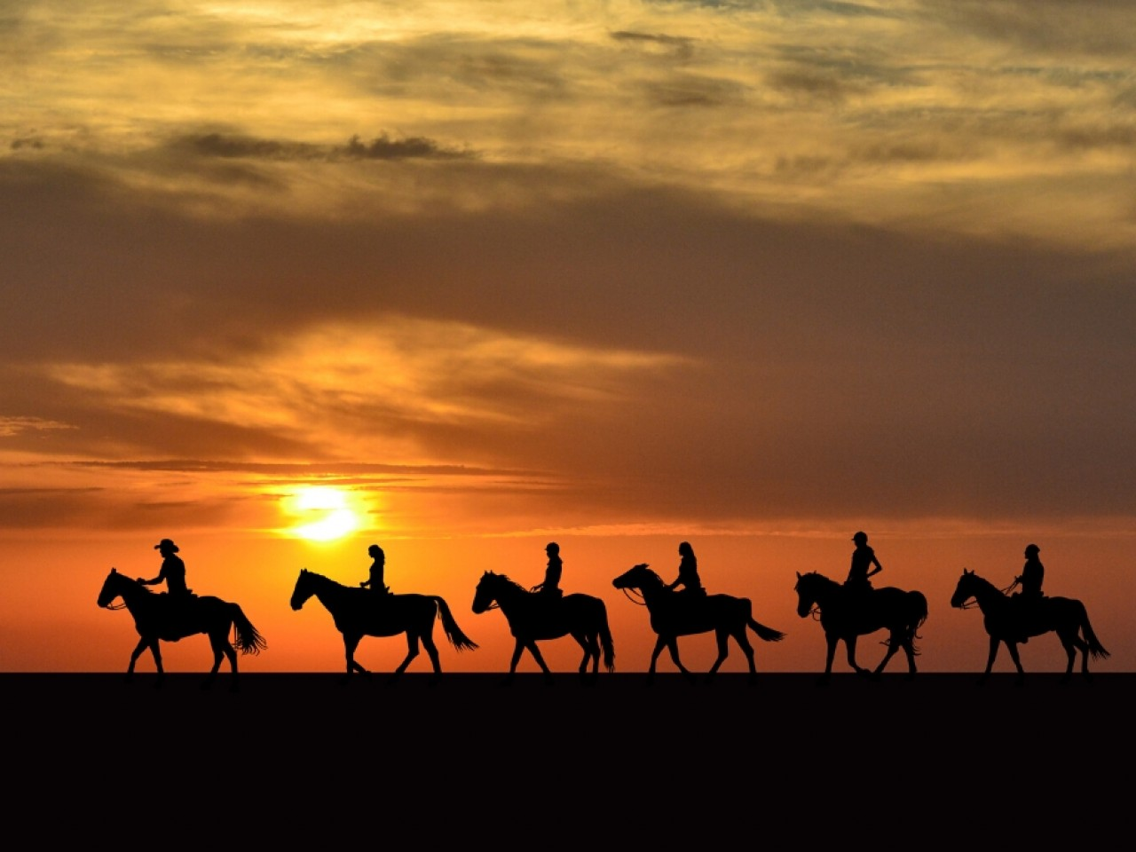 Hurghada: Camel or Horse Riding (2 hrs)