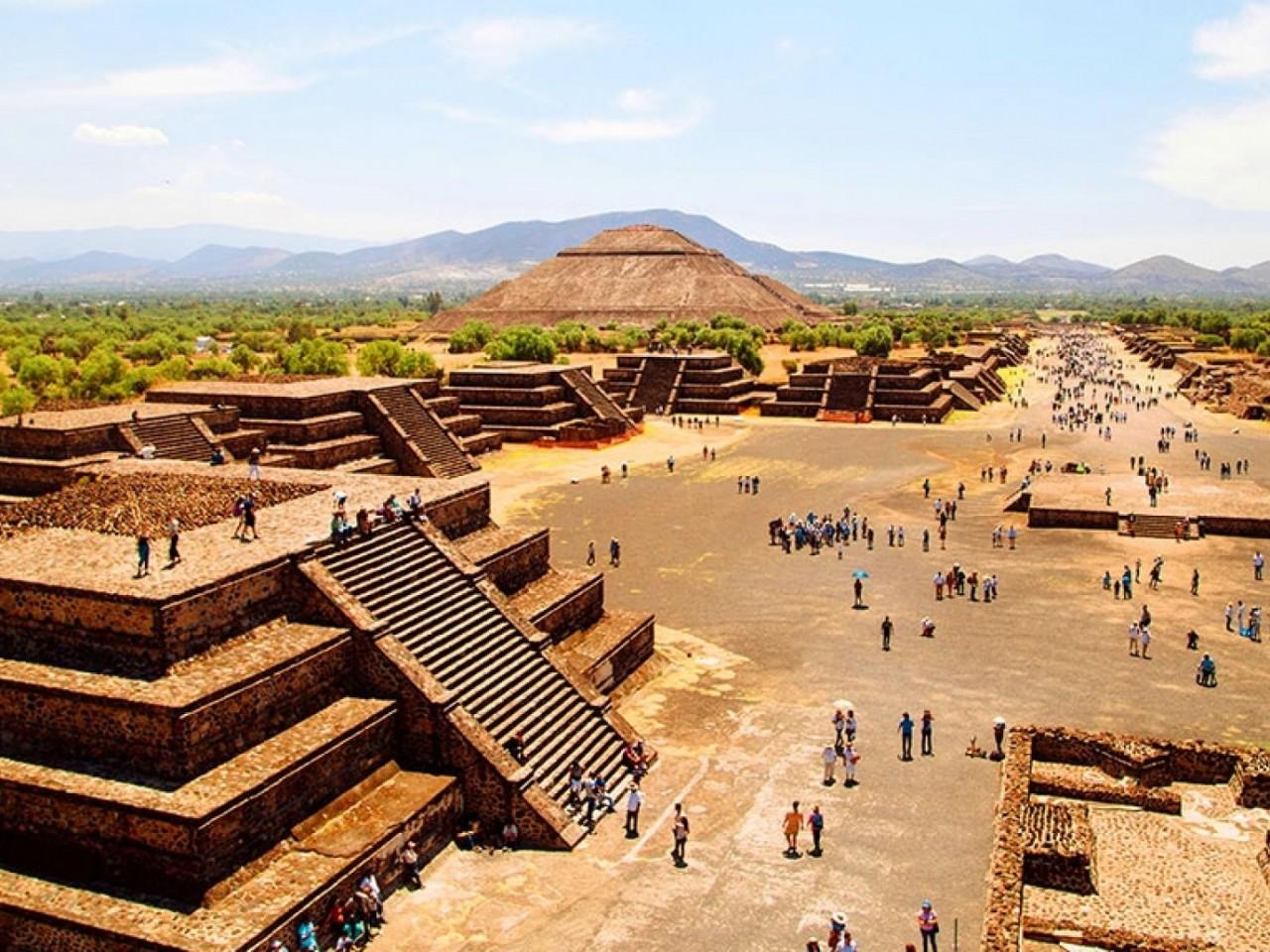 Pirámides de Teotihuacan & Basílica de Guadalupe