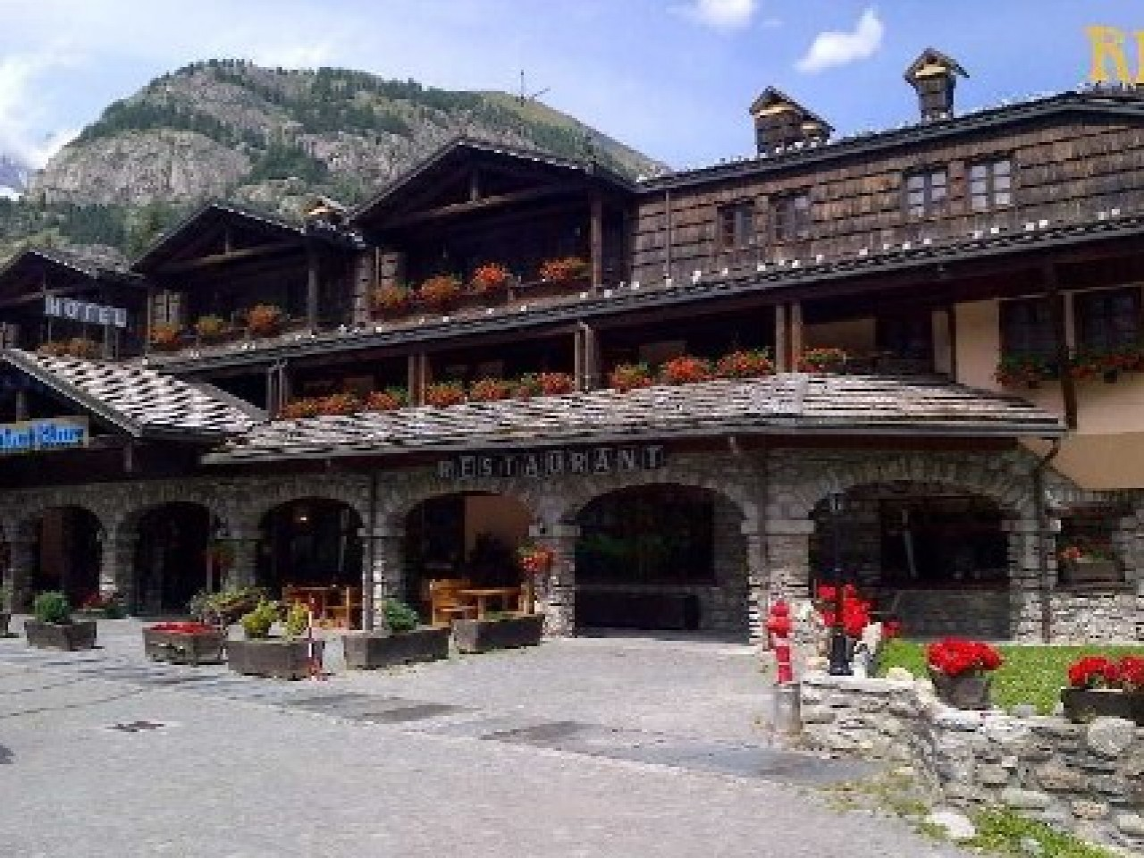 COURMAYEUR MONT BLANC RESORT 4*