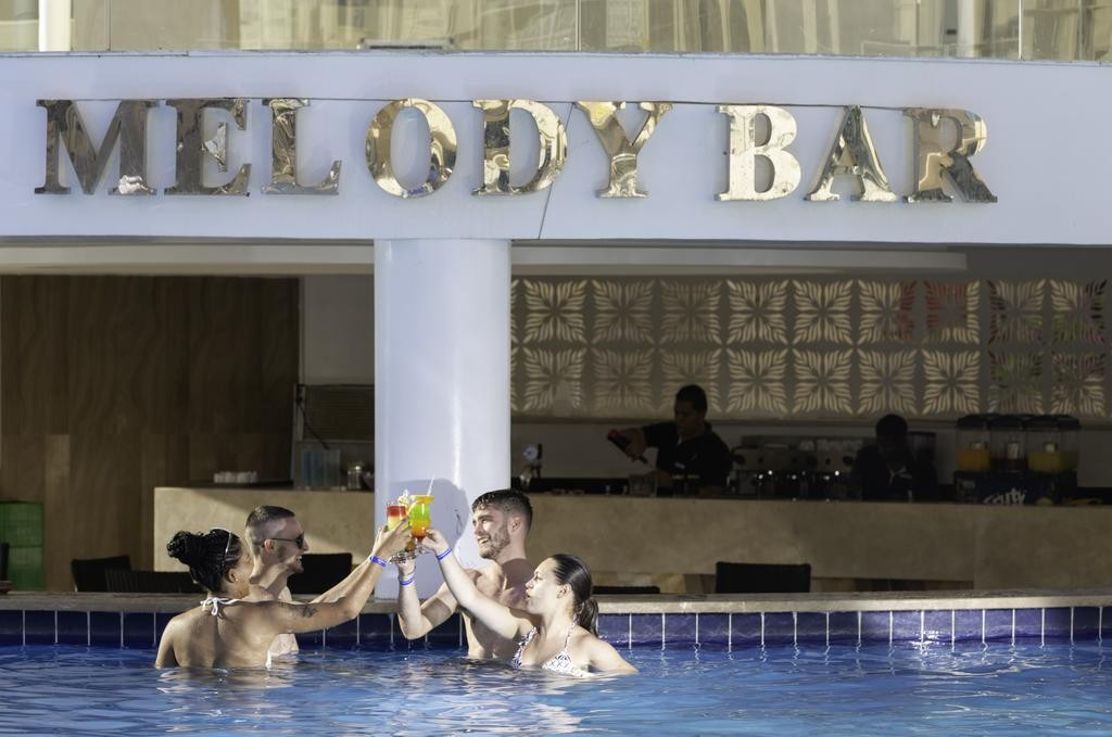 Melody Pool Bar