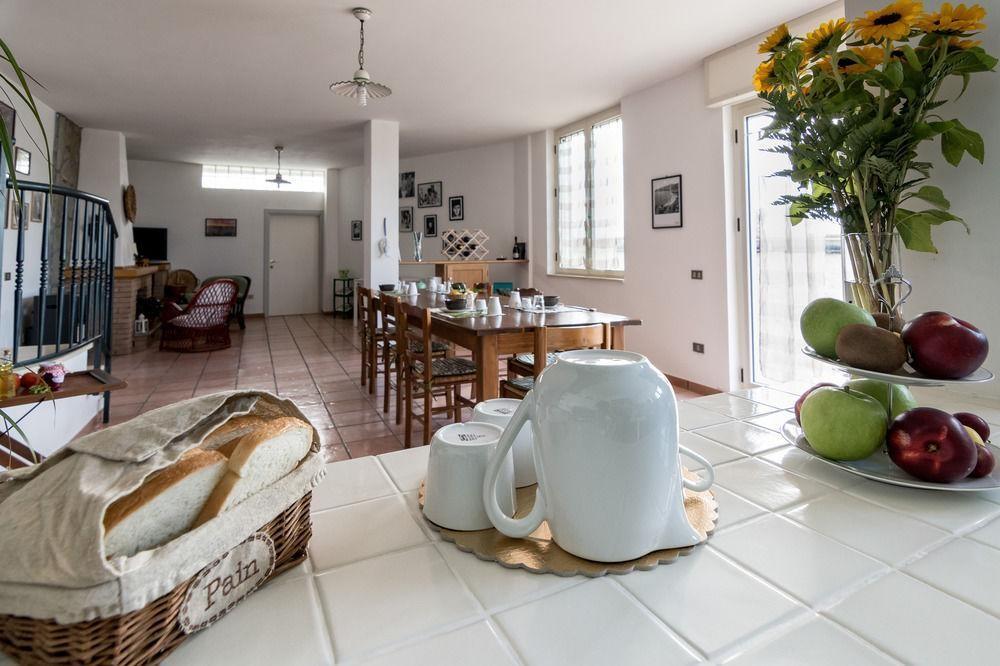 Breakfast/Breakfast Room